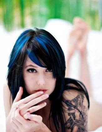 blue-hair-girl